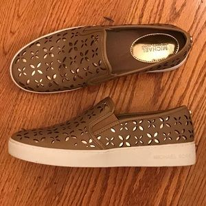 EUC Michael Kors Laser Cut Loafers, Tan